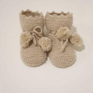 Botitas de lana con pompones
